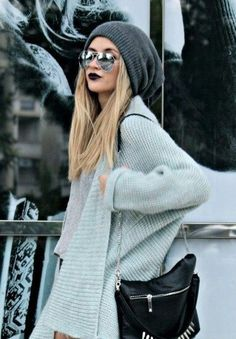 I love the outfit and the Black lipstick. Looks Chic, Looks Style, Fall Winter Outfits, Autumn Winter Fashion, Winter Hats, Fall Hats, Winter Wear, 2016 Winter, Mode Ootd