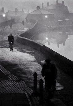 luzfosca:  John Bulmer  Tipton at Dawn, Black Country, Winter 1960 - 1961