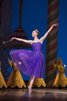 Pacific Northwest Ballet principal dancer Elizabeth Murphy as the Sugar Plum Fairy in George Balanchine's The Nutcracker™, choreographed by George Balanchine © The George Balanchine Trust. Photo © Angela Sterling