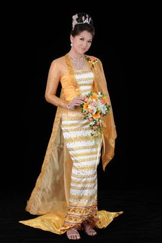 They are all looking pretty in traditional Myanmar wedding dresses