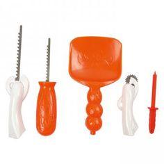 5 verschiedene Werkzeuge zum Schnitzen und Verzieren von Kürbissen. Fix entstehen so coole, fröhliche oder gruselige Kürbisgesichter für Halloween. | BACKWINKEL
