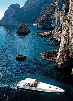 Anacapri: a pequena cidade italiana resguarda o charme antigo das ilhas do Mediterrâneo
