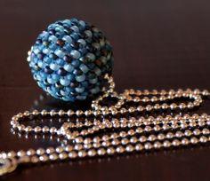 Collar Corto de Abalorios Azul, Collar Bola de Abalorios, Collar corto azul, Collar Plata de Ley, Collar de Fiesta, Bisutería Chic, Azul