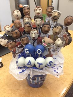 Brandi Romines, owner of Happy As A Lark Cakes, brought cake pops of the Kentucky Wildcats by the office on Tuesday. The question is, do you eat such an awesome creation? University Of Ky Basketball, I Love Basketball, Wildcats Basketball, Kentucky Basketball, Kentucky Wildcats, Basketball Players, Radios, Kentucky Sports Radio