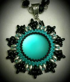 Lunasoft cabochon beaded pendant pattern found on YouTube