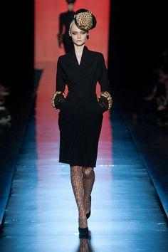 J'adore, elle est parfaite..... Défile Jean Paul Gaultier Haute Couture automne-hiver 2013-2014