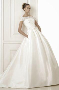 Pronovias Costura 2015 Bridal Collection | bellethemagazine.com