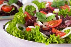 Ensalada tomate lechuga cebolla