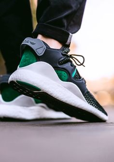 Adidas Consortium Equipment 2/3 F15 OG (via Kicks-daily.com)