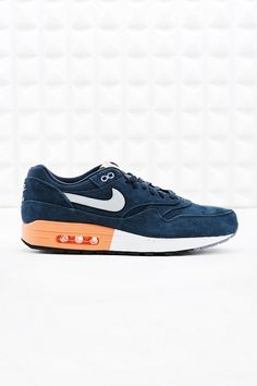 Nike Air Max 1 Premium Suede Trainers in Navy