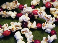 Nothing says rustic Christmas more than popcorn and cranberry garland. Here' show to make it.