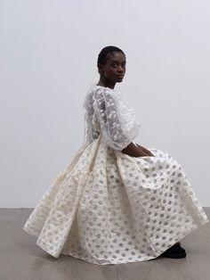 Cecilie Bahnsen operates at the intersection of couture and ready-to-wear to create luxury clothing with a relaxed, timeless style. White Fashion, French Fashion, Timeless Fashion, Boho Fashion, Fashion Dresses, Luxury Fashion, Fashion Design, Queer Fashion, Ladies Fashion
