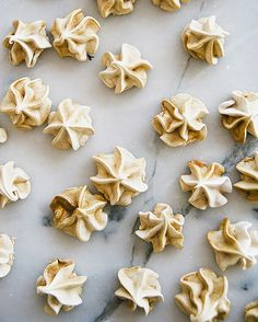 These Gingerbread Meringue Kisses Are Divine via @MyDomaine