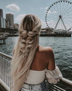Hairstyles For Winter 48 Inspiring Long Hairstyles Ideas For Fine Hair Trends Fall And Winter 2018 Easy Hairstyles For Long Hair, Pretty Hairstyles, Wedding Hairstyles, Hairstyle Ideas, Cute Down Hairstyles, Boho Hairstyles For Long Hair, Female Hairstyles, Quinceanera Hairstyles, Hairstyles Pictures