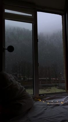 Gray Aesthetic, Night Aesthetic, Nature Aesthetic, Aesthetic Bedroom, Cozy Rainy Day, Rainy Days, Apartment View, Window View, Rain Window