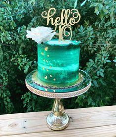 custom cakes in Orlando 18th Birthday Cake For Girls, Green Birthday Cakes, Christmas Birthday Cake, Birthday Cake For Him, Unique Birthday Cakes, Beautiful Birthday Cakes, Buttercream Birthday Cake, 40th Cake, Green Cake
