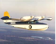 Airplane Flying, Flying Boat, Rv Truck, Trucks, Amphibious Aircraft, Propeller Plane, Storm Front, Float Plane, Classic Cars