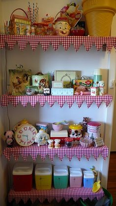 Amazing vintage kitchen collectible display shelves, with gingham fabric edging <3