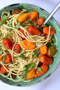 This recipe for vegan roasted tomato pasta with garlic and basil is so easy it…