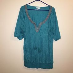 Maurice's Size 1 Teal Peasant Top Maurice's Size 1 Teal Peasant Top.  Has crinkle look.  Excellent condition. Maurices Tops Tunics