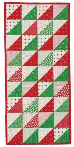 Table Runner And Placemats, Table Runner Pattern, Quilted Table Runners, Christmas Runner, Christmas Tables, Holiday Tables, Christmas Sewing, Christmas Patchwork, Christmas Quilting