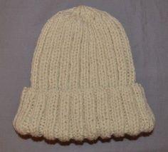 Un bonnet en tricot facile, spécial débutante (patron offert) - Des Tricots Tres Mimie