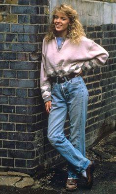 Vintage Shop new arrivals Female Revolution Mood Vintage Shop - New Arrivals: Oversized Blazers, Pied de Coq Blazers, Organza Blouse, Satin Blouse, Knitwear. 1980s Fashion Trends, 80s And 90s Fashion, Tomboy Fashion, Look Fashion, Trendy Fashion, 1980s Trends, 80s Womens Fashion, Fashion Clothes, 1980s Fashion Grunge