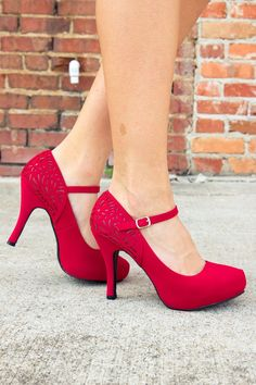 """Put your best foot forward in these trendy closed toe shoes. Fits like our popular """"Sassy Strappy Heels"""", but with a more classic style! Recommend sizing up size. Dream Shoes, Crazy Shoes, Me Too Shoes, Shoe Boots, Shoes Heels, Pumps, Strappy Heels, Prom Heels, Cute Heels"""