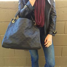 Louis Vuitton Noir Empreinte Leather Artsy MM JUST IN! Call us at 813-258-8800 or email us at customerservice@mymoshposh.com if you would like to purchase before it goes online!