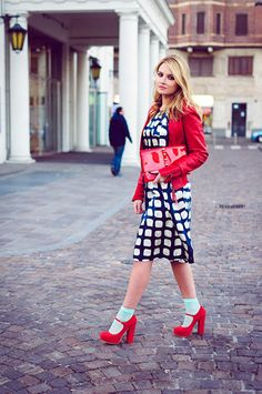 Not sure about the socks with mary janes but love modern, retro fashion - dress, red leather jacket Frock Fashion, Pop Fashion, Unique Fashion, Retro Fashion, Winter Fashion, Fashion Dresses, Fashion Design, Milan Fashion, Fashion Trends