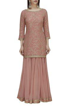 Buy Embroidered Kurta Set by Dabka Dori at Aza Fashions Dress Indian Style, Indian Fashion Dresses, Indian Designer Outfits, Indian Outfits, Designer Dresses, Indian Attire, Pakistani Bridal Dresses, Pakistani Dress Design, Churidhar Designs