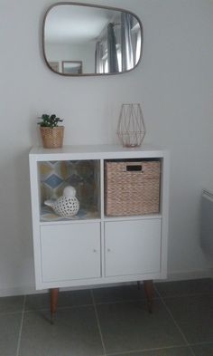 A trendy shelf for a small price! Source by bidouillesikea Ikea Inspiration, Ikea 4 Cube, Canto Bar, Living Room Decor Colors, Cube Bookcase, Living Room Storage, Ikea Furniture, Furniture Removal, Painted Furniture