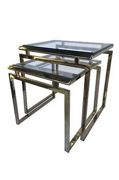 Polished brass nesting tables with thick inset beveled glass tops. Designed by Milo Baughman, one of the most famous mid-century modern American fu. Table Furniture, Furniture Design, Wood Nesting Tables, Patterned Armchair, Milo Baughman, Large Table, Diy Chair, Beveled Glass, Teak Wood