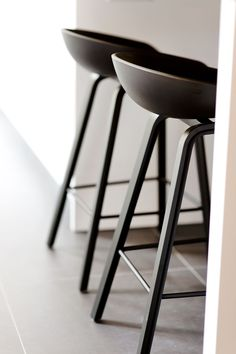 Bar Chairs, Bar Stools, Counter Stools, Room Chairs, Kitchen Interior, Interior Design Living Room, Home Modern, Cocinas Kitchen, Farmhouse Dining Chairs