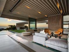 Cette maison à Cape Town a des points de vue de montagne et de mer de 360 degrés