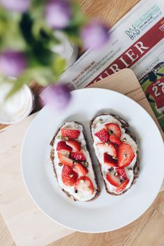 {recipe} strawberries and bread. Strawberry Recipes, Caprese Salad, How To Stay Healthy, Strawberries, Bread, Desserts, Blog, Food Food, Tailgate Desserts