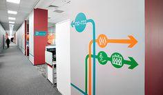 «ЛАНИТ» — один из флагманов российской IT-индустрии. В этом году компания отметила новоселье в 10-этажном офисном здании, которое вмещает четверть работников компании (2000 человек). При таких масштабах бизнеса даже опытным сотрудникам непросто ориентиров…