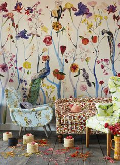 Anthropologie Tips and Advice Anthropologie Tips and Advice Carina oneobservatory Interieur George Venson the founder and designer of Voutsa dishes on everything from self-expression […] wallpaper living rooms Deco Design, Wall Design, Chinoiserie, Deco Boheme Chic, Wallpaper Companies, Interior And Exterior, Interior Design, Love Wallpaper, Beautiful Wallpaper