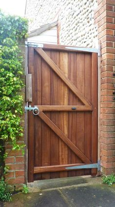 How To Build A Double Gate For A Wood Privacy Fence Wood