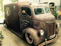 The best vintage cars hot rods and kustoms Jeep Pickup Truck, Classic Pickup Trucks, Ford Classic Cars, Lifted Ford Trucks, Truck Drivers, Chevy Classic, Dually Trucks, Lifted Chevy, Hot Rod Trucks
