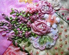 I ❤ the ribbonwork . . . Beautiful roses