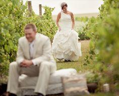 wine-themed-wedding-first-look-in-vineyard