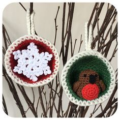 This pattern contains the instructions for both the snowflake bauble and the robin bauble.