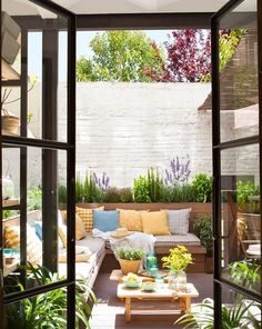 Backyard ideas, create your unique awesome backyard landscaping diy inexpensive on a budget patio - Small backyard ideas for small yards backyardpatiodesigns Backyard Ideas For Small Yards, Backyard Patio Designs, Small Backyard Landscaping, Diy Patio, Patio Ideas, Landscaping Ideas, Small Patio, Small Yard Design, Small Terrace