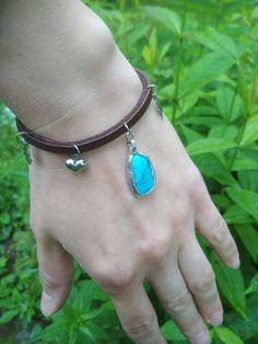 kožený náramok s tyrkenitom Alex And Ani Charms, Turquoise Necklace, Charmed, Bracelets, Jewelry, Fashion, Moda, Jewlery, Jewerly