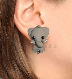 Grey Elephant Clinging Earrings by GeekonDreamland on Etsy Cute Polymer Clay, Polymer Clay Animals, Cute Clay, Fimo Clay, Polymer Clay Projects, Polymer Clay Charms, Polymer Clay Creations, Polymer Clay Earrings, Clay Crafts