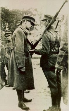 Michael Collins inspects a National Army soldier during the Irish Civil War, Michael Collins, Ireland 1916, Limerick Ireland, Limerick City, Irish Free State, Irish Independence, Northern Irish, Northern Ireland, Images Of Ireland