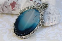 Blue Agate Necklace, Navy Blue Agate Stone Pendant, Wire Wrapped Pendant, Unique Gifts for Women, Ombre Effect Stone