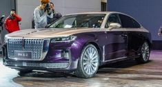 New Hongqi H9 Goes After Mercedes E-Class With Familiar Cadillac Rolls Royce And Maybach Tones Antique Cars For Sale, Vintage Rolls Royce, Mercedes E Class, Go After, Futuristic Cars, Maybach, Car Photography, Cadillac, Concept