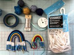 Little Bit Funky: How to Make a Rope/Macramé Rainbow! Yarn Crafts, Crafts To Make, Arts And Crafts, Rope Crafts, Diy Embroidery Thread, Craft Tutorials, Craft Projects, Rainbow Art, Rainbow Crafts